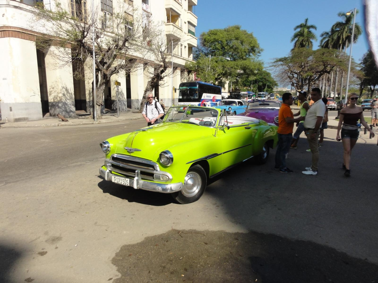 Foto de CUBA 2 - 2016-02-02 - WALK from Havana City to Hotel (click for info)