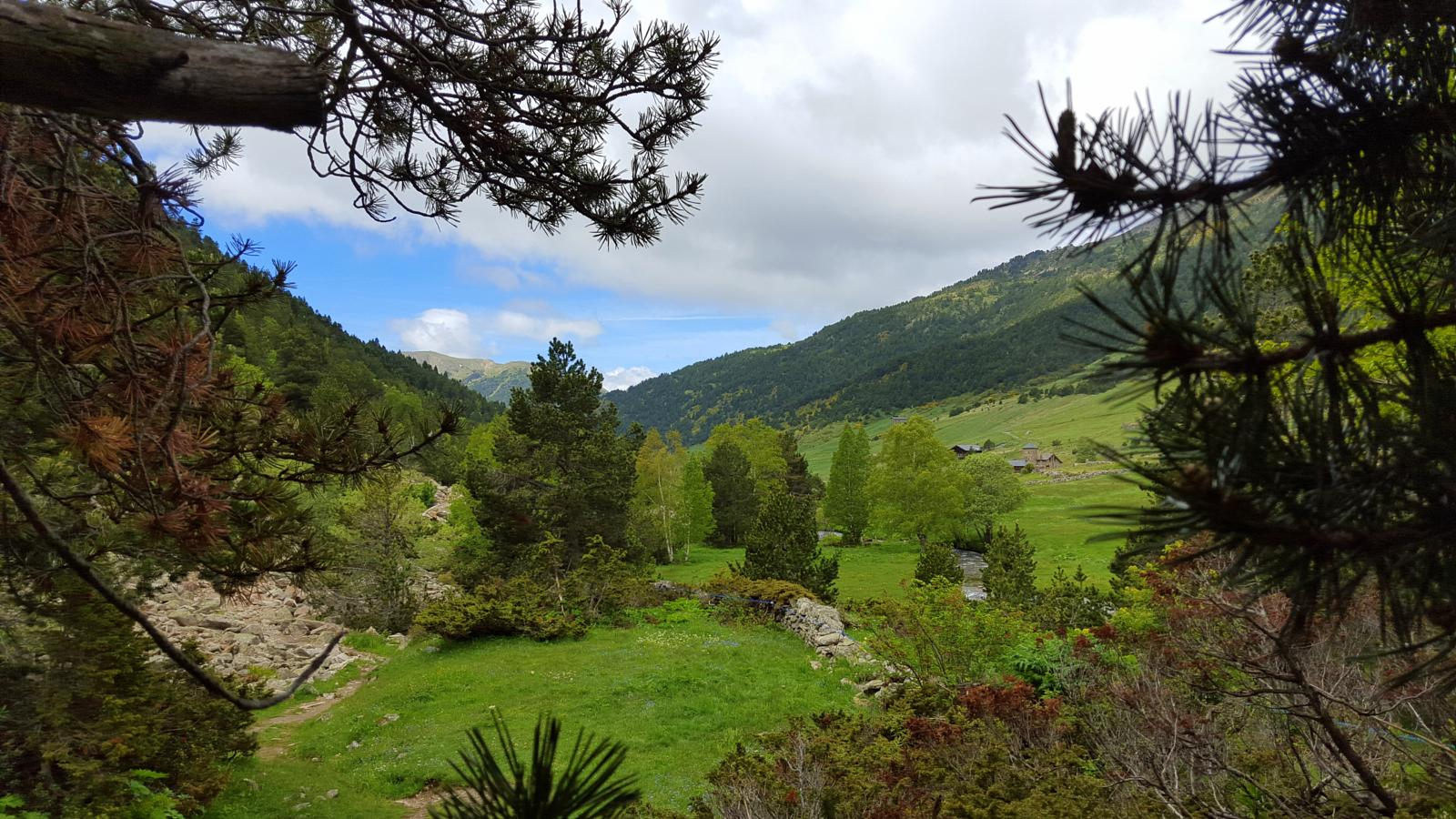 Photo de Valle de Incles (Vall d'Incles) per Cami de L'Obac - Andorra
