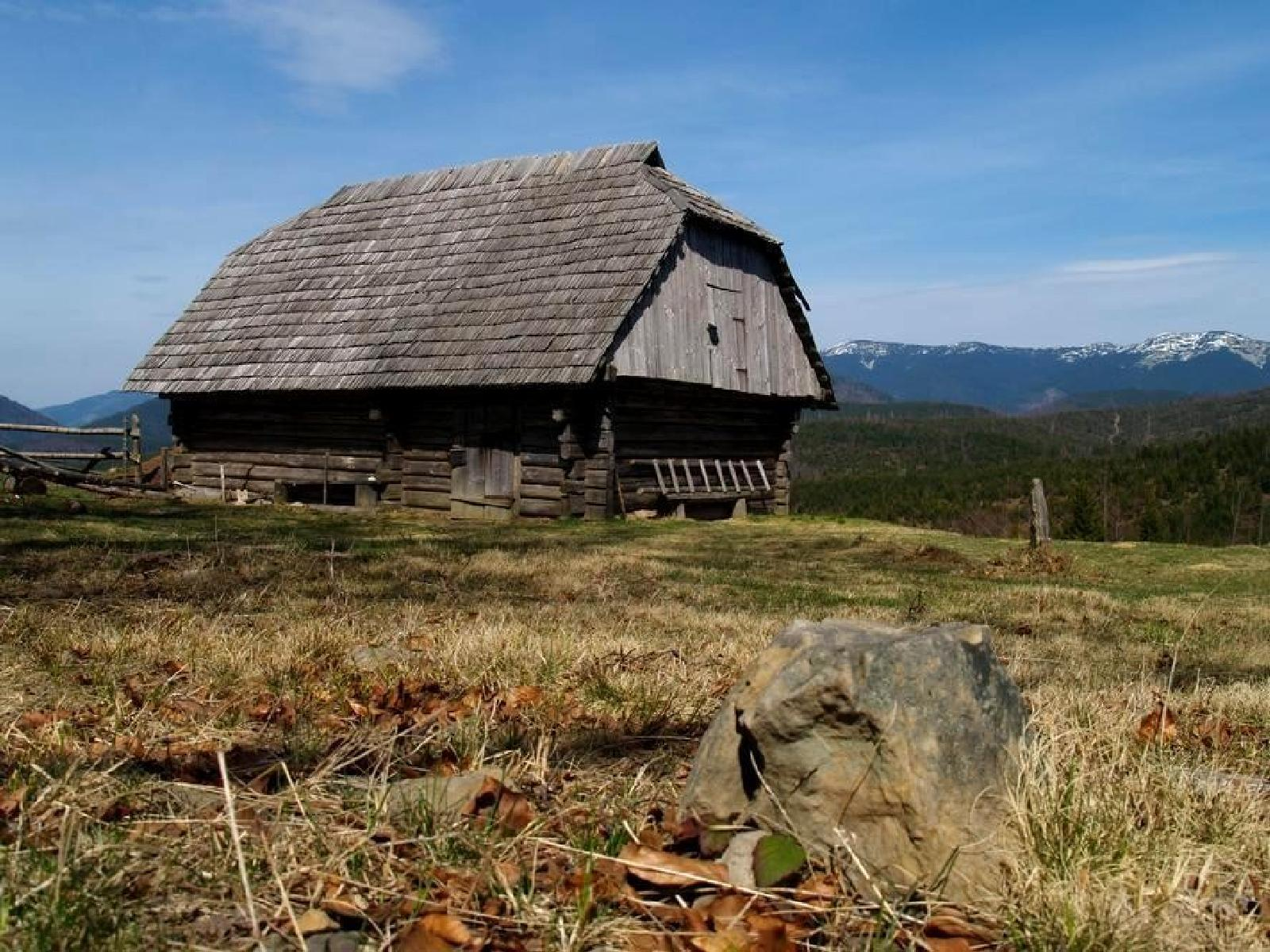 Фото Geographic expedition 'The Authentic Carpathians Villages,[spring]' (v. Svoboda)