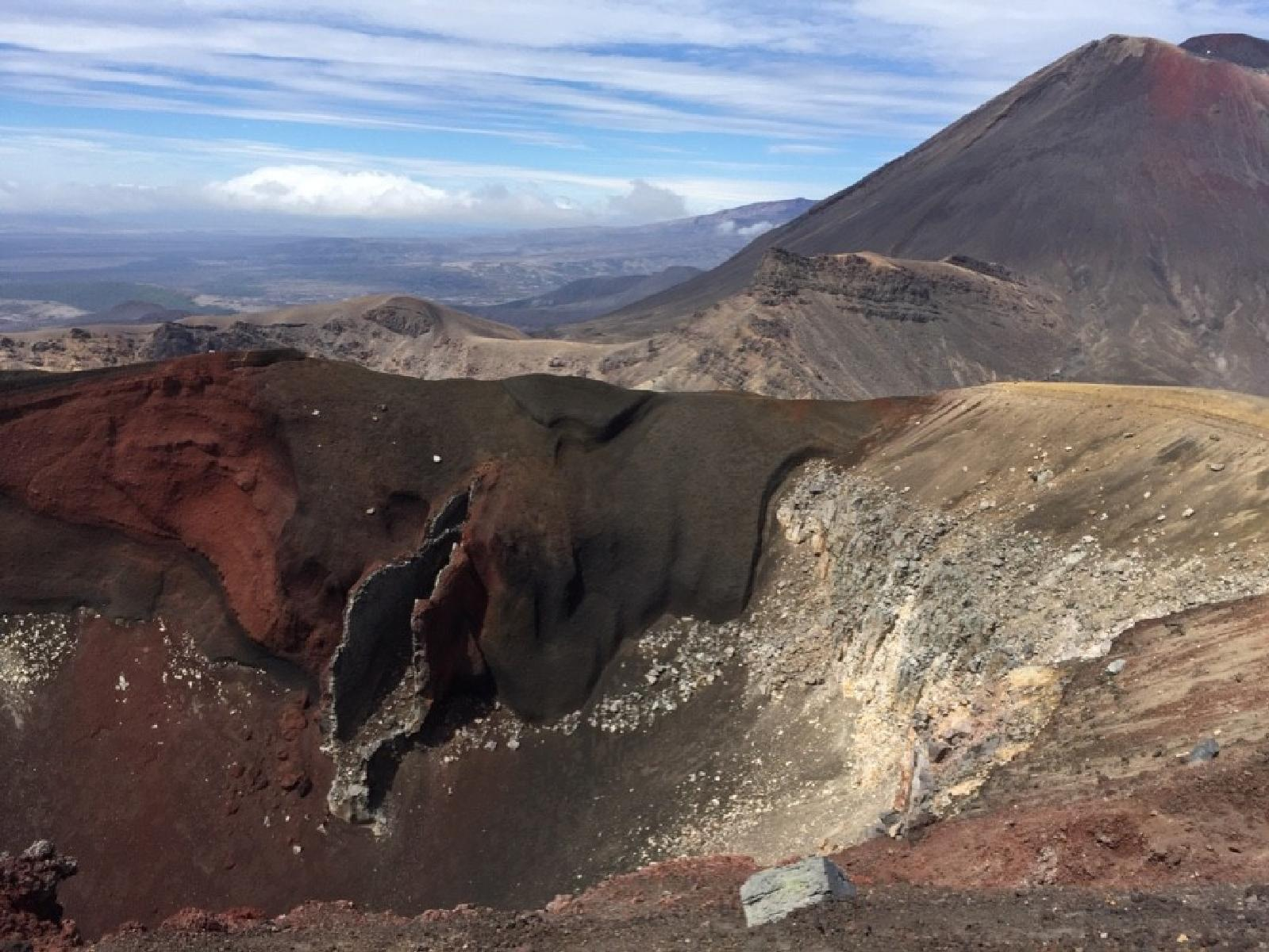 Фото Red Crater 2