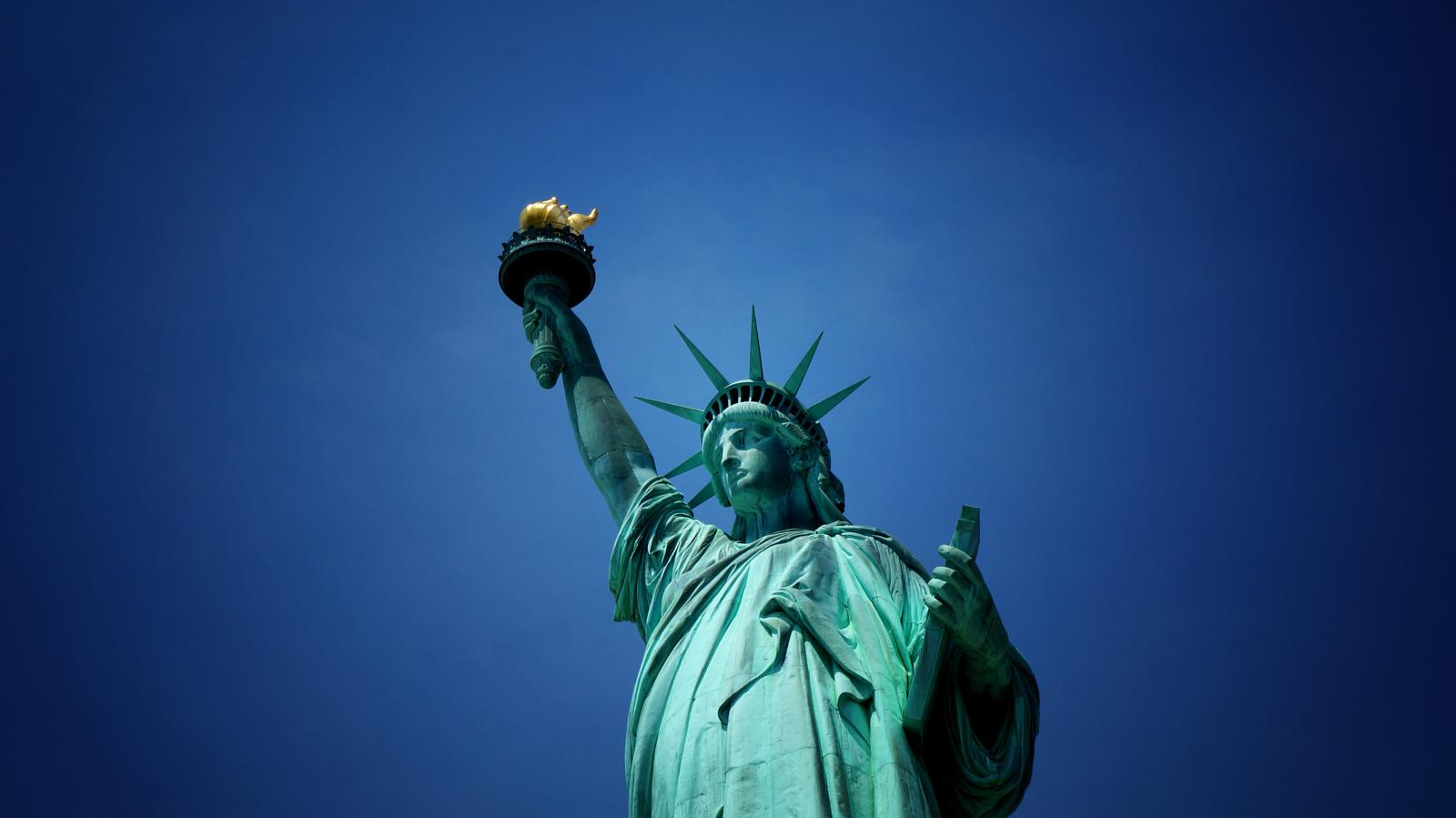 mynd af New York: The Statue of Liberty and Ellis Island 9.3Km