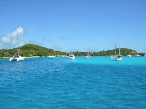 Фото HYC 7 Day Itinerary - St. Vincent to St. Vincent - Day 4 - Tobago Cays to Petit St. Vincent