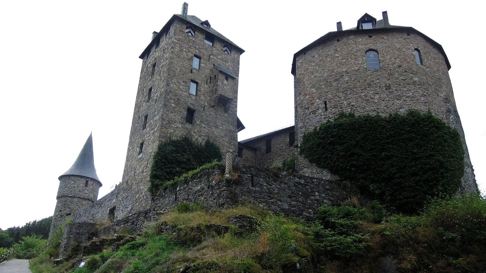 Foto di Following Ghaster, Bayehon and Warche to Castle Reinhardstein